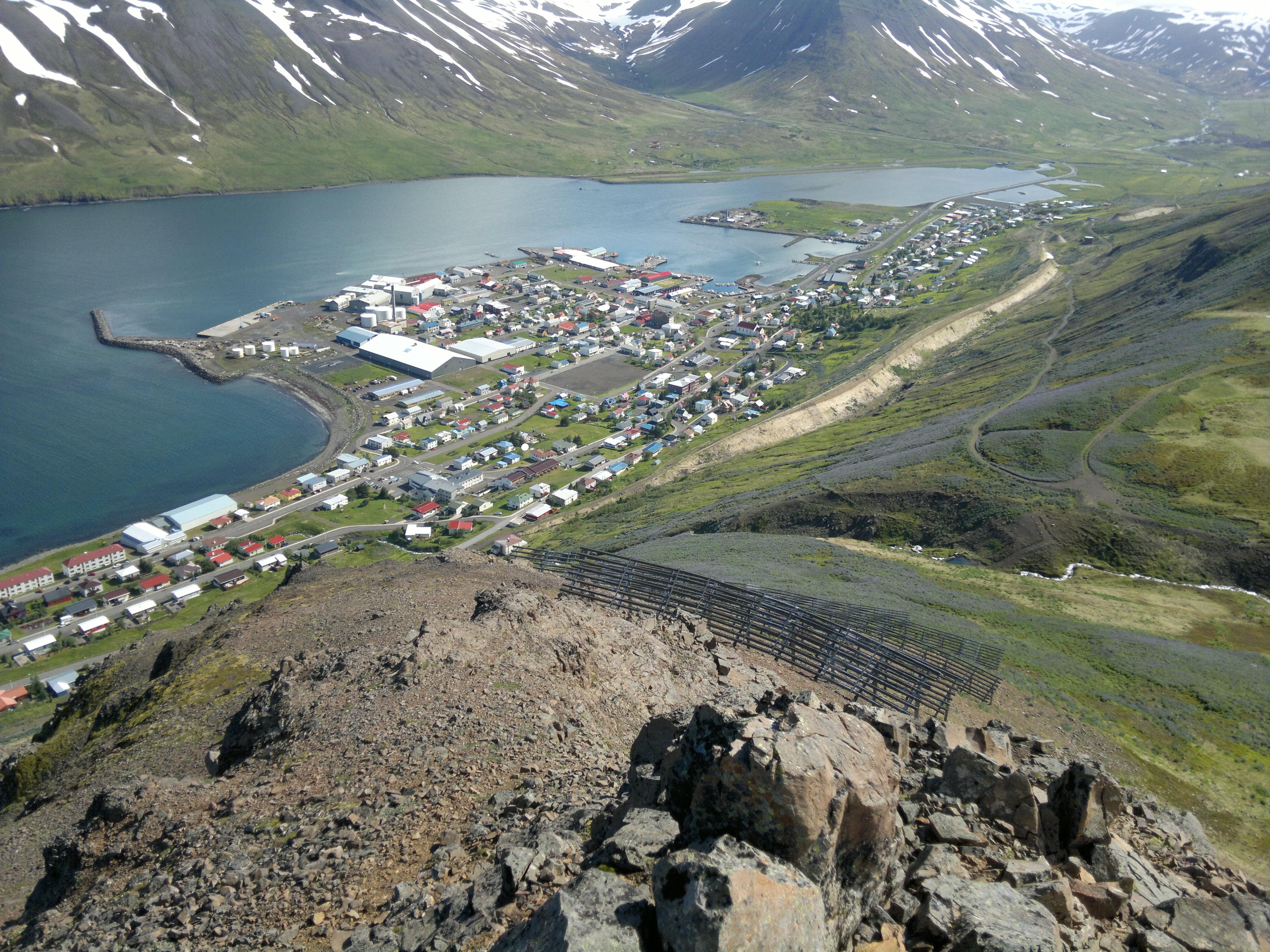 Eitt og þó aðallega annað - Hausmynd